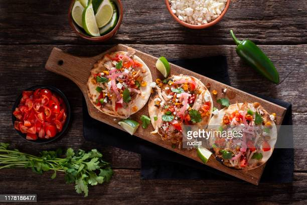 street style chicken tacos - tortilla flatbread stock pictures, royalty-free photos & images