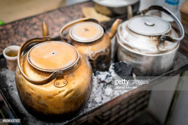 street tea/coffee pot - iraq stock pictures, royalty-free photos & images