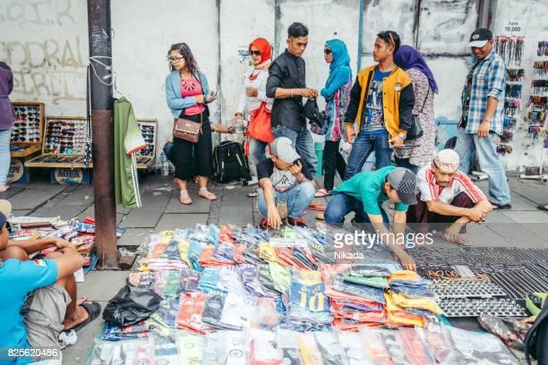 ジャカルタ、インドネシアでのストリート ベンダー - ジャカルタ ストックフォトと画像