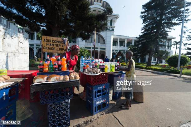 street vendors in maputo, mozambique - maputo city stock pictures, royalty-free photos & images
