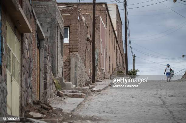 street view at humahuaca city, jujuy province, argentina - radicella stock pictures, royalty-free photos & images