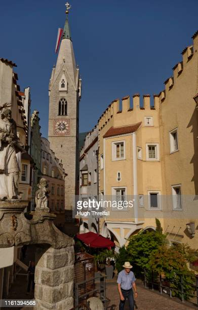 street view of bressanone brixen in the isarco valley, italy - hugh threlfall stock pictures, royalty-free photos & images