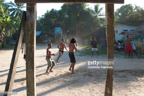 streetball playing in the philippines - argenberg - fotografias e filmes do acervo