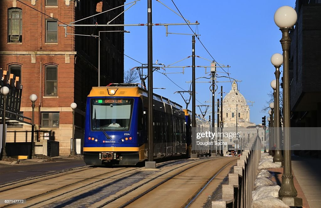 Streetcar with the Minnesota State Capital in background, St. Paul, Minnesota, USA : Stock Photo