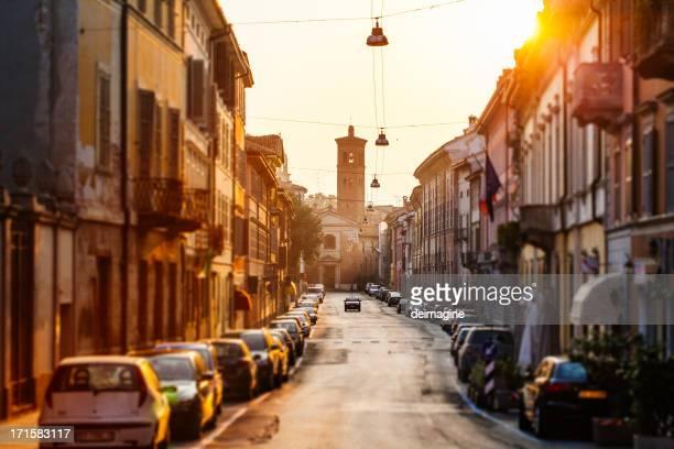 strade della città di cremona, italy - cremona foto e immagini stock