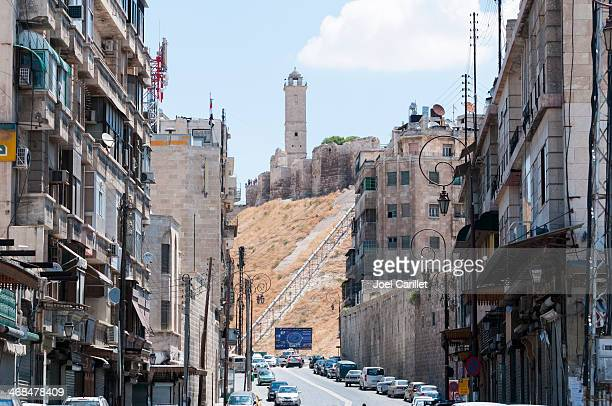通りのシリア、アレッポ金曜日の朝 - アレッポ市 ストックフォトと画像