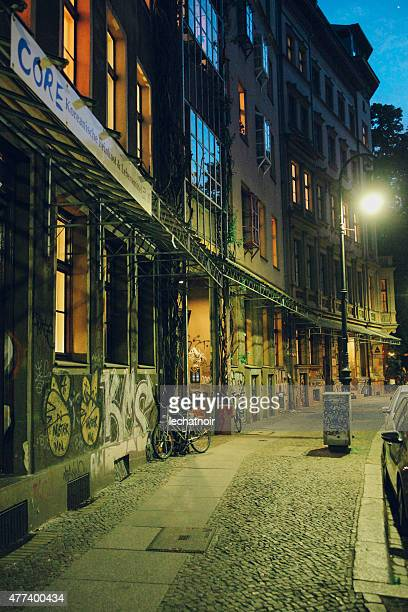 streets of berlin at night - kreuzberg stock photos and pictures