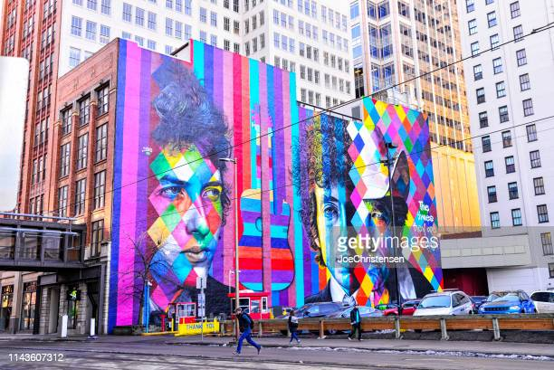 streets of downtown minneapolis - minneapolis stock pictures, royalty-free photos & images