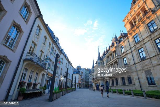 streets of luxembourg - luxembourg city luxembourg stock pictures, royalty-free photos & images