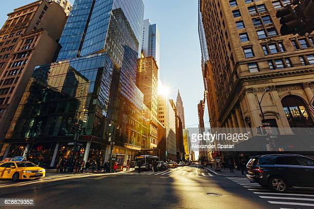 streets of manhattan, new york city, new york state, usa - grande angular - fotografias e filmes do acervo