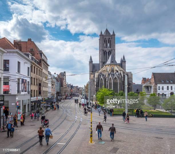 streets of medieval ghent, belgium - flandres oriental imagens e fotografias de stock
