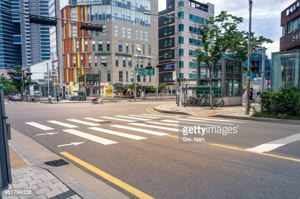 streetscape, seoul - crossroad stock pictures, royalty-free photos & images
