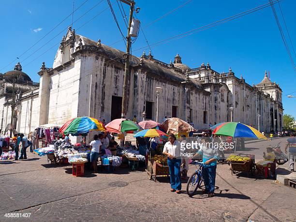 street-side market, leon, nicaragua. - nicaragua stockfoto's en -beelden
