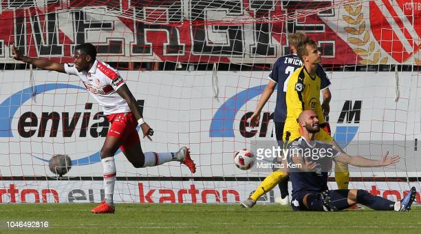 Streli Mamba of Cottbus jubilates after scoring the third goal during the 3. Liga match between FC Energie Cottbus and FSV Zwickau at Stadion der...