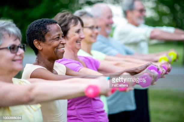 strength exercise - leisure facilities stock pictures, royalty-free photos & images