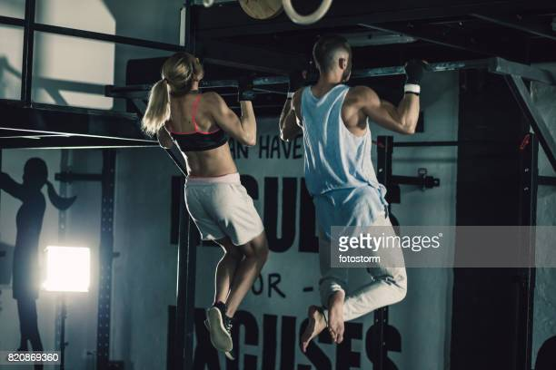 strength motivation and good form - waist up stock pictures, royalty-free photos & images