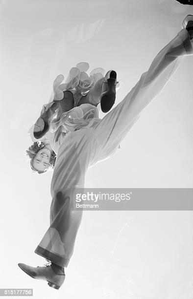 9/1938FLINGERS IN FLIGHT Strenuous preparations for all Jitterbugs interested in the West Coast championships to be held at Venice California inspire...