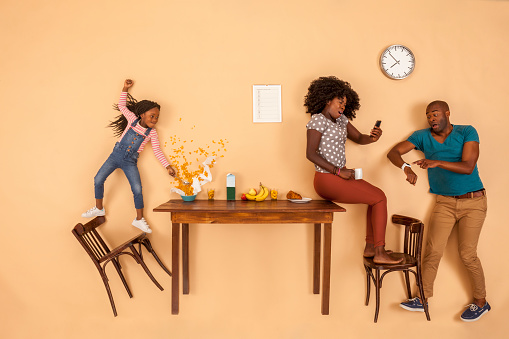 Stressed out family having breakfast in the kitchen - gettyimageskorea