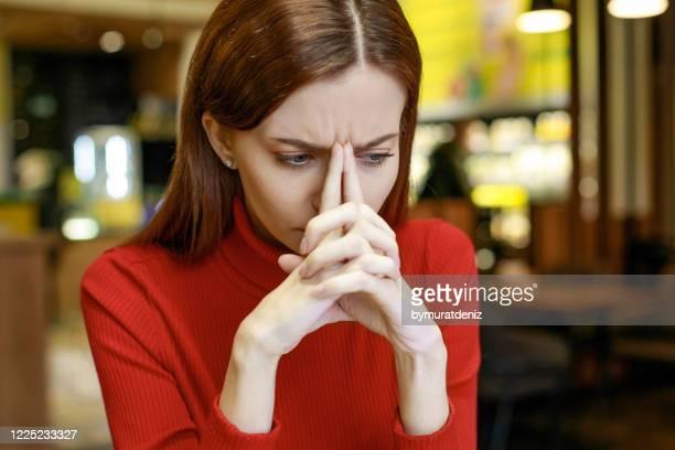 ストレスの疲れた女性 - 激怒 ストックフォトと画像