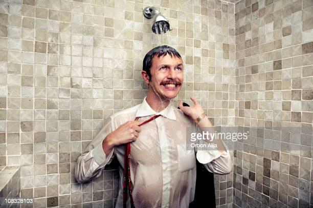 día estresante - hombre ducha fotografías e imágenes de stock