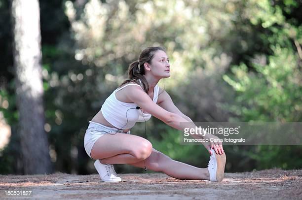 stretching exercises - tempio pausania stock-fotos und bilder