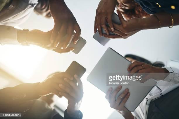 erstreckt sich die zusammenarbeit über die cloud - bring your own device stock-fotos und bilder