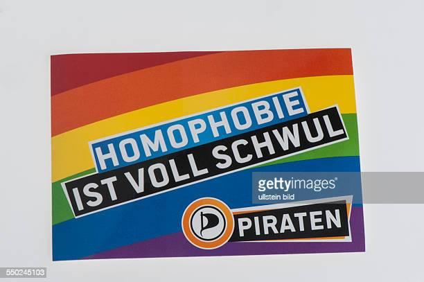 Streuartikel der Piratenpartei Aufkleber der Piratenpartei mit dem Slogan Homophobie ist voll schwul