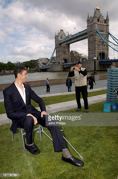 Strictly Embargoed Until 0001 Hrs Thursday September 17, 2009. Sultan Kosen, From Turkey, Is Announced As The Guinness World Records Tallest Man...