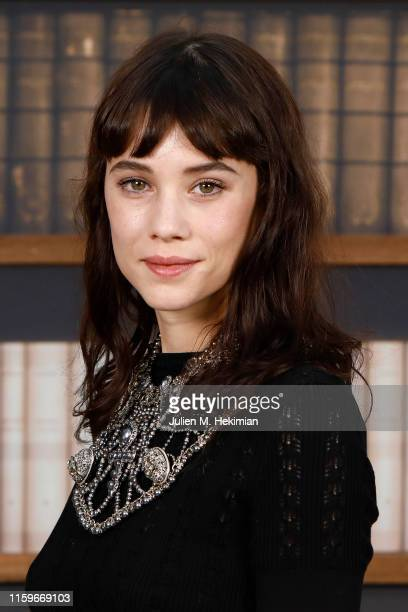 Àstrid BergèsFrisbey attends the Chanel photocall as part of Paris Fashion Week Haute Couture Fall Winter 2020 at Grand Palais on July 02 2019 in...