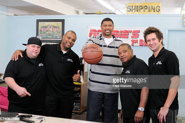 BOYS 'Strike It Rich' Former NBA star Jalen Rose swings by to educate Junior in basketball while Senior negotiates with a customer who literally...