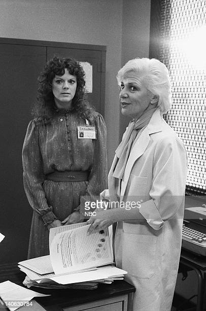 ST ELSEWHERE Strikeout Episode 4 Pictured Barbara Whinnery as Dr Cathy Martin Renee Taylor as Dr Charlotte Miller Photo by Gary Null/NBCU Photo Bank