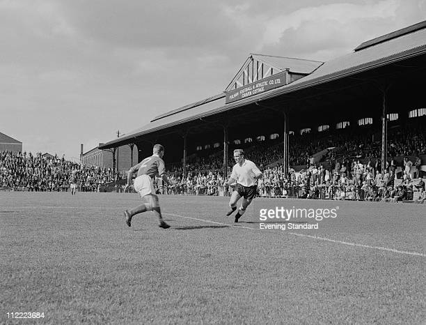 Striker Tosh Chamberlain in action for Fulham at Craven Cottage 21st August 1959