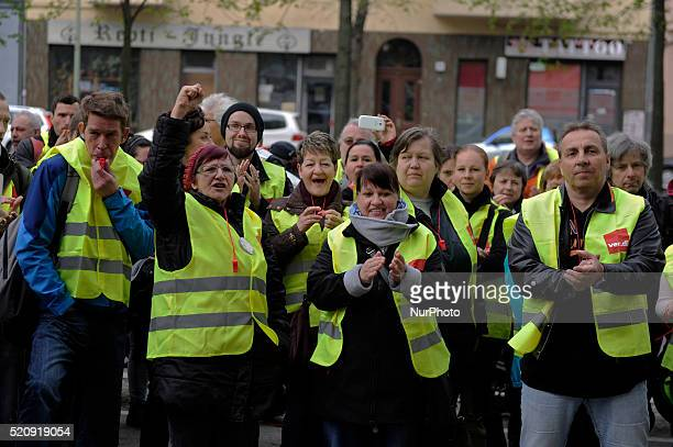 Strikers applaud a speaker during verdi warning strike at Vivantes Klinikum am in Berlin Germany The union verdi calls for workers without collective...