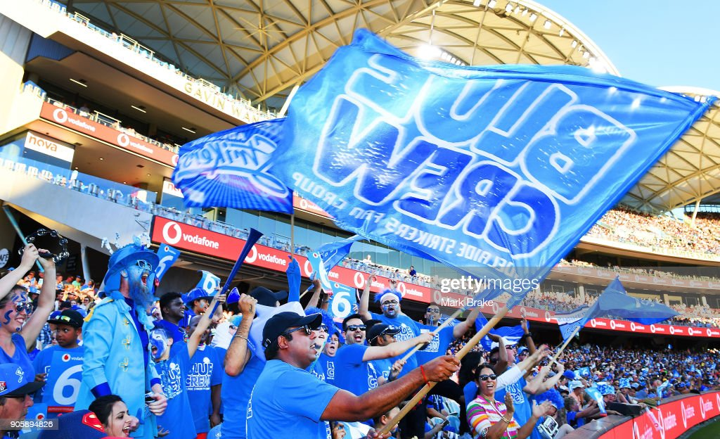 FANS @ BBL - Strikers v Hurricanes