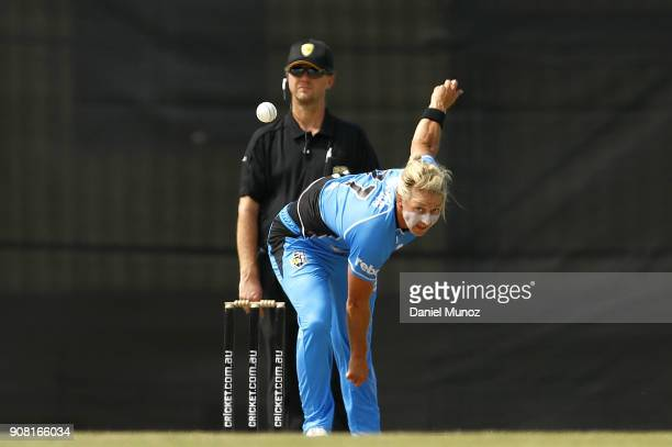 Strikers Sophie Devine bowls during the Women's Big Bash League match between the Adelaide Strikers and the Sydney Thunder at Robertson Oval on...