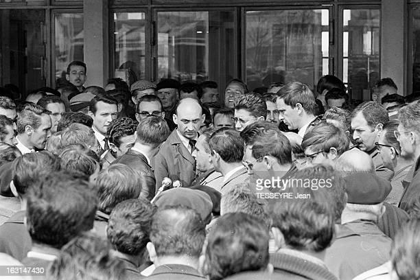 Strikes And Of Demonstrations At The Atlantic Shipyards SaintNazaire14 Avril 1967 Les 'mensuels' des chantiers de l'Atlantique poursuivent leur grève...