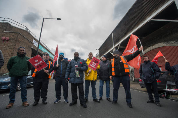 GBR: Unite Bus Drivers Strike Over Pay And Conditions