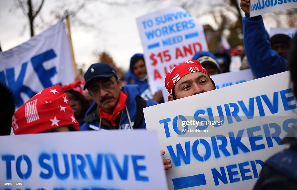 U.S. Capitol Low Wage Government Workers Go On Strike : Nachrichtenfoto