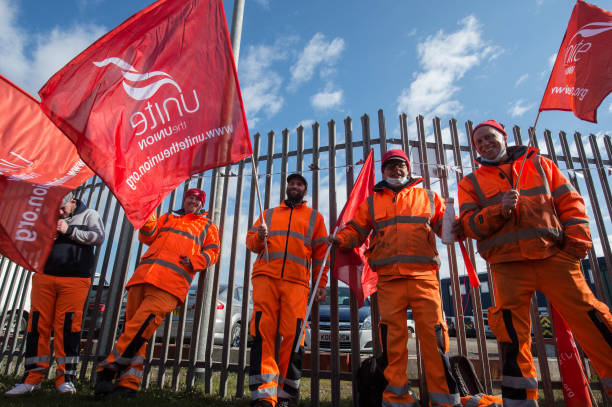 GBR: Thurrock Waste workers Go On Three Week Strike Over Proposed Pay Cuts