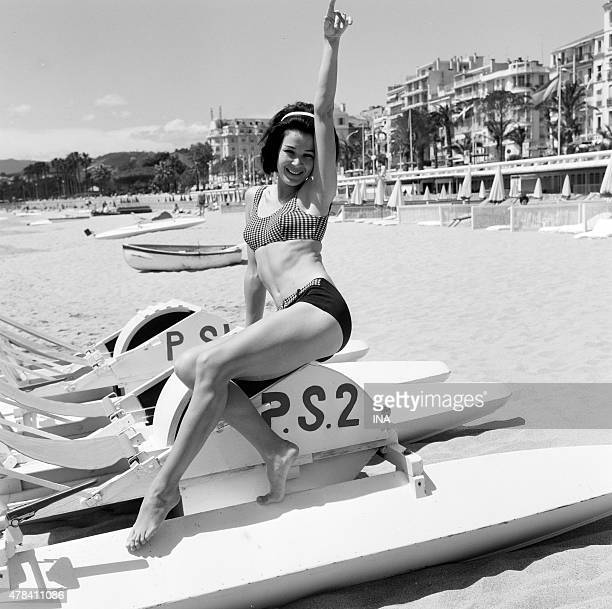 Striking starlet the pose on the beach of Croisette during the festival