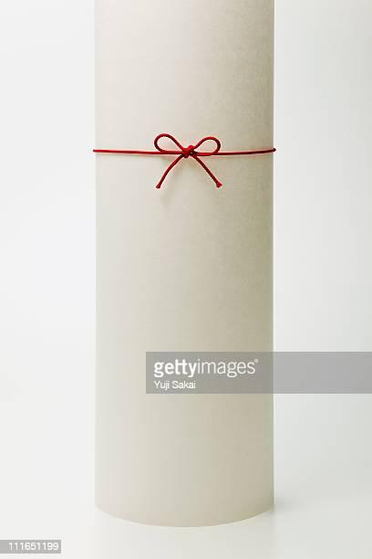 Strings ribbon