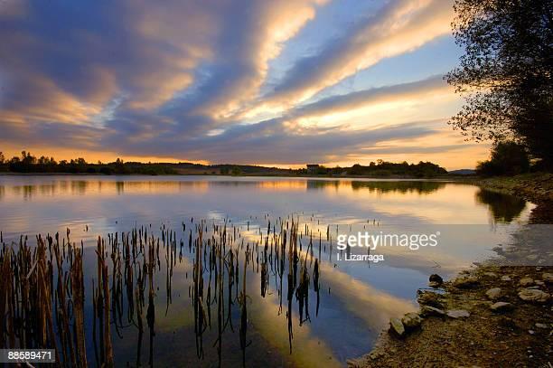 striped clouds  - アラバ県 ストックフォトと画像