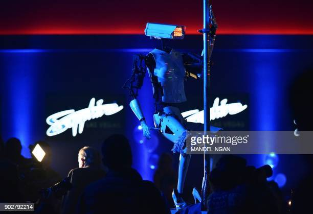 A stripper robot performs at the Sapphire Gentlemen's Club on the sidelines of CES 2018 in Las Vegas on January 8 2018 / AFP PHOTO / Mandel Ngan