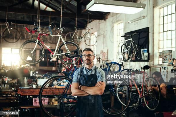 S'efforçant de fournir le service de réparation de vélos superior