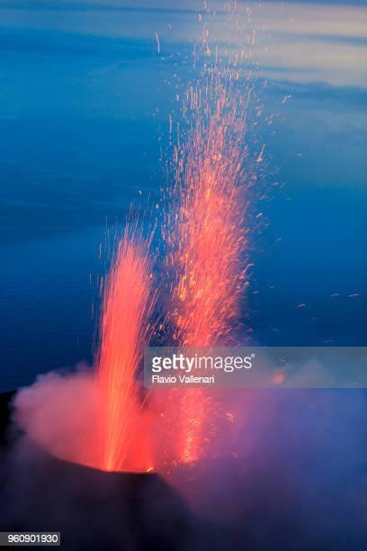 stromboli, aeolian islands, sicily, italy - isole eolie foto e immagini stock