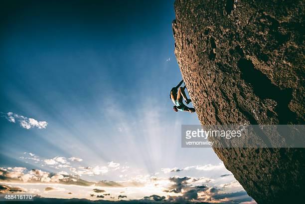 Fuerte hembra rock climber