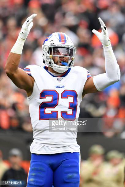 Strong safety Micah Hyde of the Buffalo Bills gestures toward the crowd in the second quarter of a game against the Cleveland Browns on November 10,...