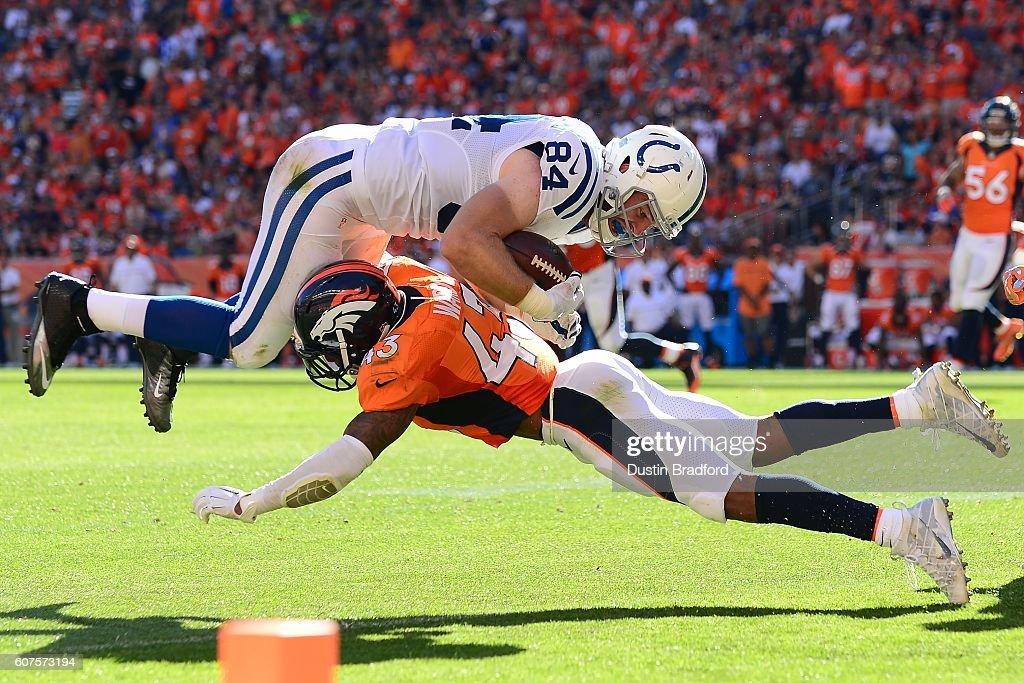 Indianapolis Colts v Denver Broncos : Nachrichtenfoto