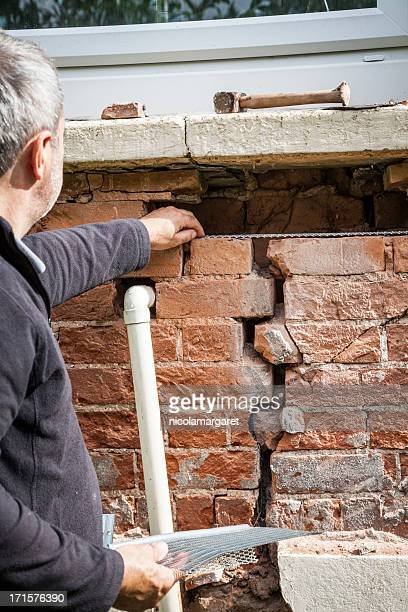 Structural problem: Repairing a cracked wall