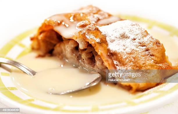 Strudel with vanilla cream